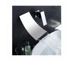 Bad-Armatur zur Wandmontage, Ausführung in verchromtem Metall