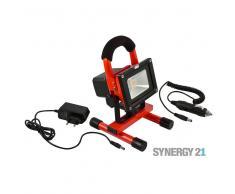SYNERGY21 LED Fluter AKKU 10W kaltweiß 800lm V1 IP65 Tragegestell rot EEK:A+