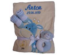 Babydecke beige Giraffe mit Namen bestickt Taufe Baby Geburt hellblau