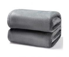 Bedsure Kuscheldecke Grau kleine Decke Sofa, weiche& warme Fleecedecke als Sofadecke/Couchdecke, kuschel Wohndecken Kuscheldecken, 130x150 cm extra flaushig und plüsch Sofaüberwurf Decke