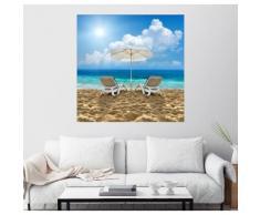 Posterlounge Wandbild »Strandstuhl und Schirm am Sandstrand«