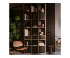 Individualisierbares Bücherregal aus Multiplexplatte in Schwarz. Moderne Designer-Möbel nach Maß.