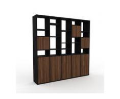 Bücherregal Schwarz - Modernes Regal für Bücher: Türen in Nussbaum - 195 x 195 x 35 cm, Individuell konfigurierbar
