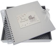 White Cotton Cards Granny s Boasting Card/Memory Book (Silber Kinderwagen und Wimpelkette)