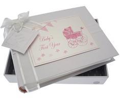 White Cotton Cards Kleines Fotoalbum Baby s First Year (Rosa Kinderwagen und Wimpelkette)